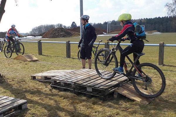 Mountainbike Workshop und Lehrgang Fahrrad fahren lernen